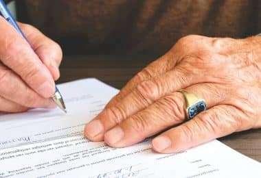 9 - administration-agreement-banking-618158_klein-380x260