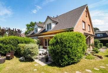 1. 1 : Wohnidylle in Ulzburg Süd: Doppelhaushälfte in begehrter Wohnlage